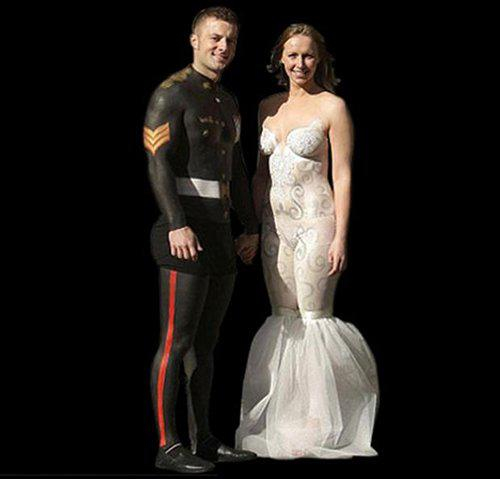Ugly wedding dresses you won 39 t believe people wore for Painted on wedding dress