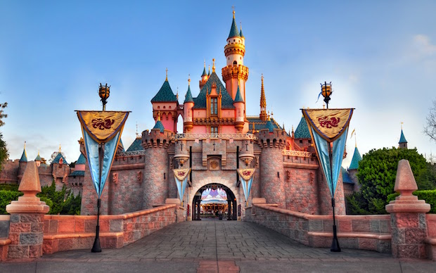 Disneyland Castle traveldigg