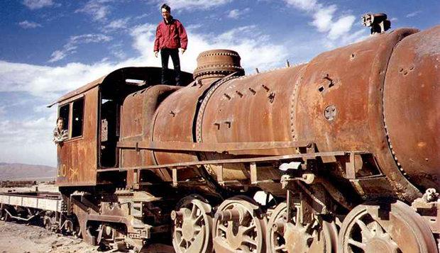 Bolivia's train cemetery