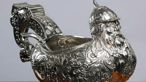 Most impressive valuable 39 antiques roadshow 39 finds for Most valuable antiques to look for