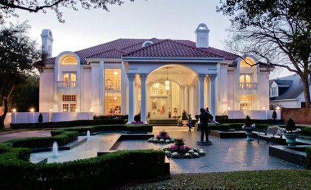 Mary Kay's mansion